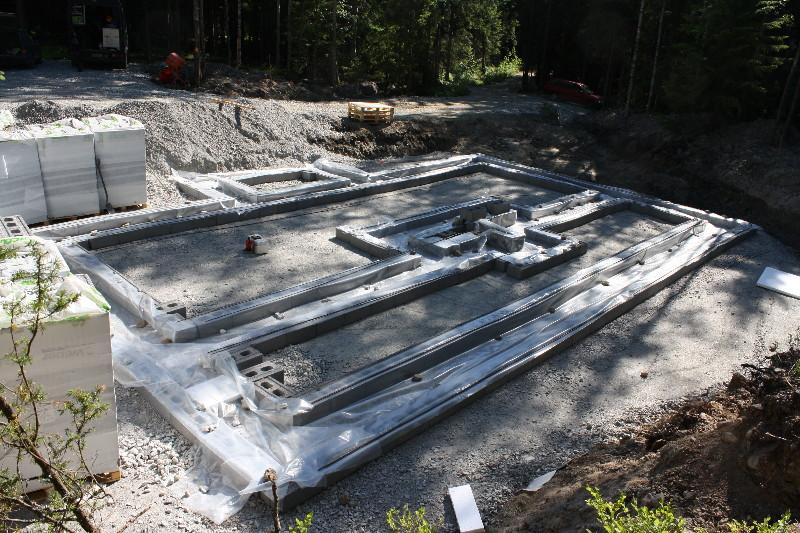 Harkko vai betoniperustus